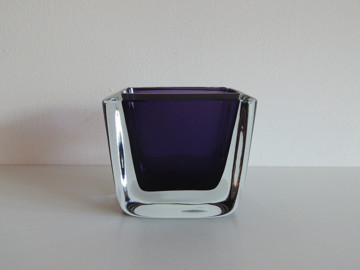 Vase (purple)